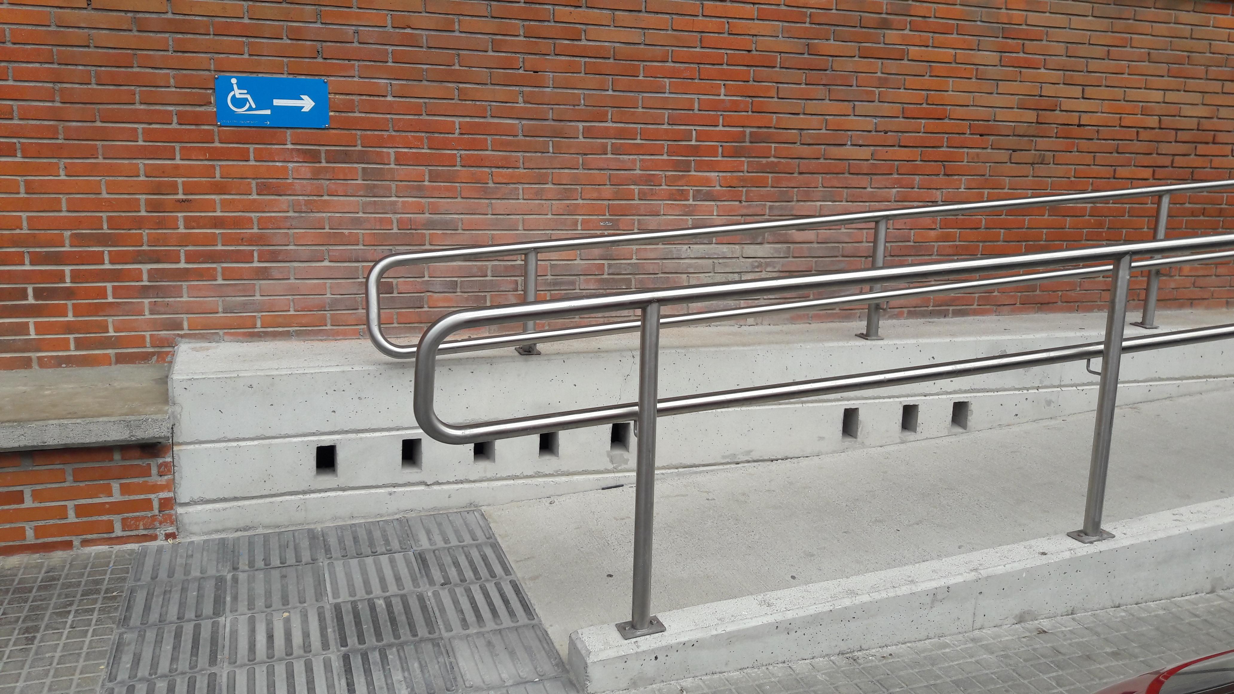 Señal acceso rampa